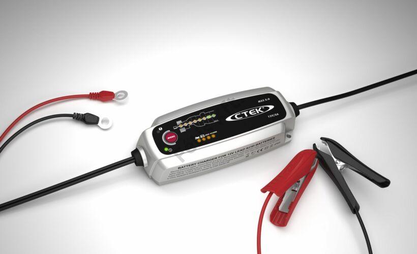 CTEK MXS 5.0 autó akkumulátor töltő és karbantartó (56-999)